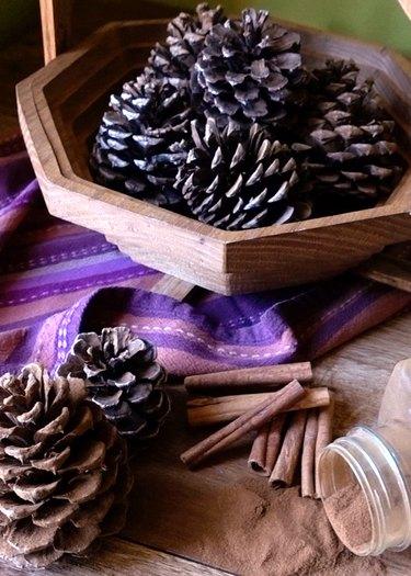 DIY cinnamon-scented pinecones.