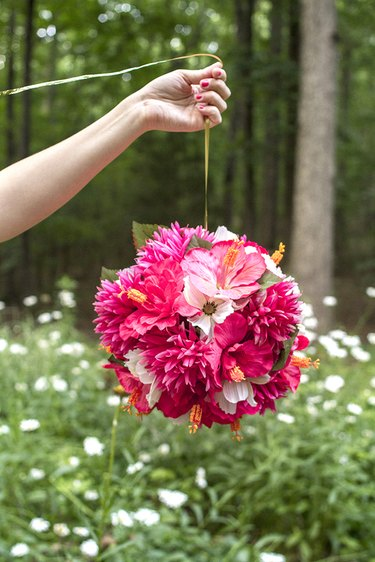 hanging flowers party décor