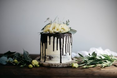 This Naked Cake with Champagne Buttercream is so delicious, rich and impressive!