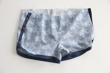 overlap side seam of jogging shorts