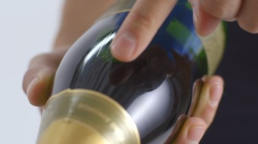 Find seam on the bottle.