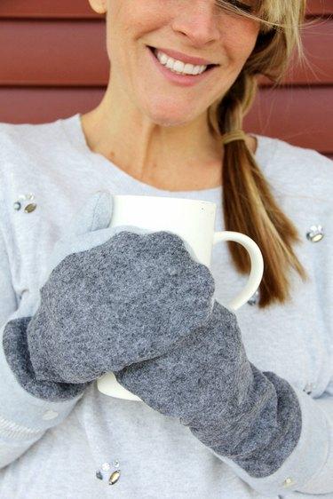 Easy fleece mitten pattern