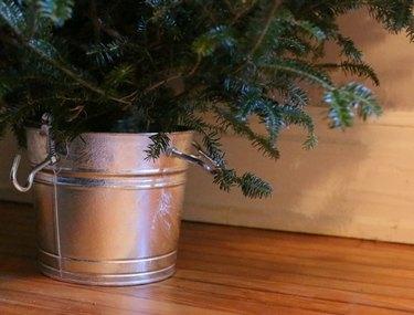 DIY farmhouse Christmas tree stand