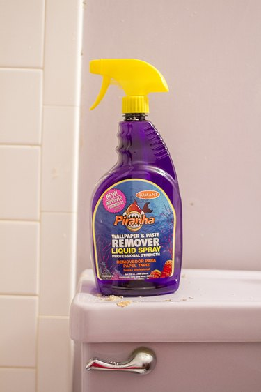 liquid spray wallpaper remover