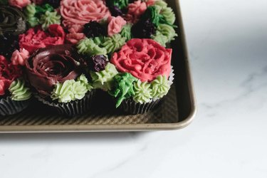 These succulent cupcakes are impressive and delicious too!
