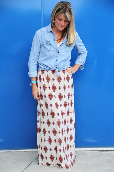 Woman wearing maxi skirt