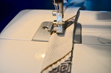 sew piping for upholstered bench seat