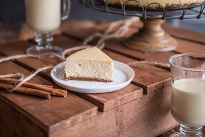 Eggnog Cheesecake with Gingerbread Crust Recipe