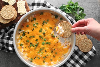 Hot creamy crab dip