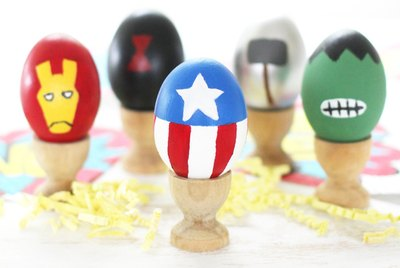 DIY Avengers Superhero Easter Eggs