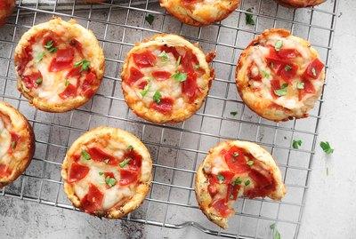 Mini deep dish pizza muffins