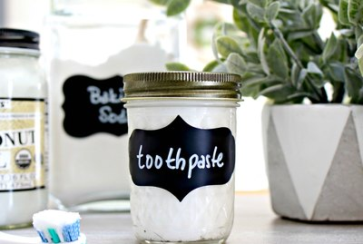 how to make natural whitening mint toothpaste