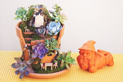 broken pot miniature fairy garden