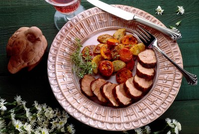 Pork tenderloin with thyme and turnips