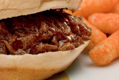 Barbecue sandwich and cheese puffs