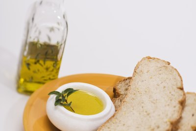 Olive oil with slices of bread