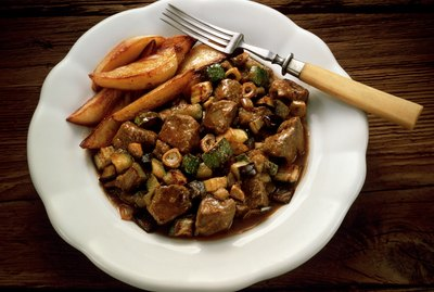 Lamb ragout with fried potatoes