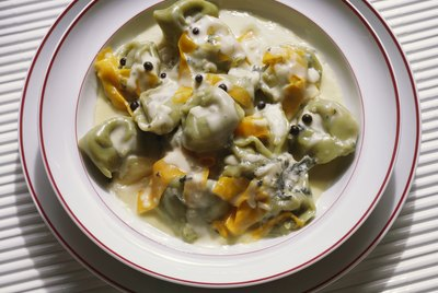 Tortellini with white sauce