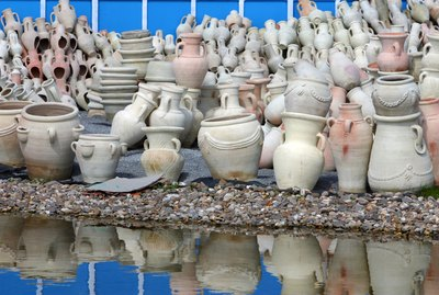 Ceramic pots for sale in outdoor market