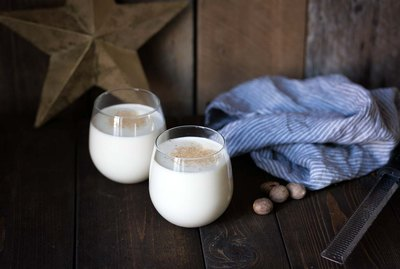 How to Make Classic Eggnog (with Alcohol) | eHow