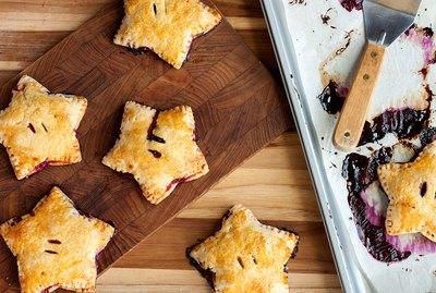 Star-shaped berry hand pies