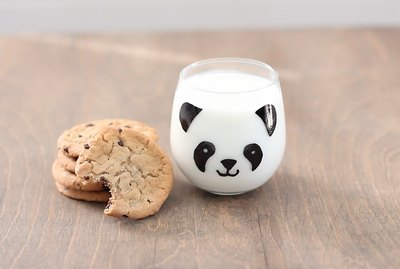 DIY panda glass and cookies