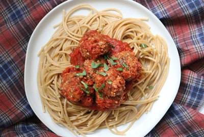 Vegan meatballs and spaghetti