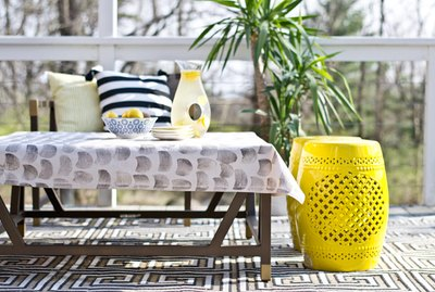 How to make a potato stamped tablecloth