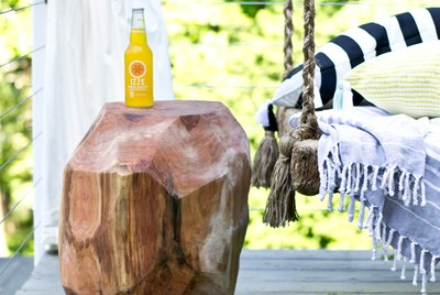 Create a geometric log side table.