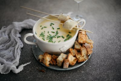 How to Make Foolproof Classic Cheese Fondue