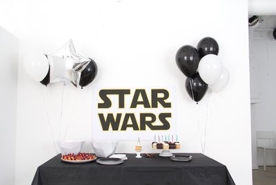 Throw an easy and fun Star Wars party!