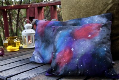 How to paint a galaxy design on cushion covers.