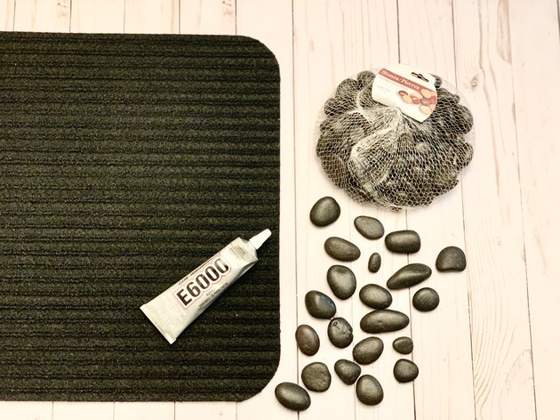 DIY Pebble Welcome Mat