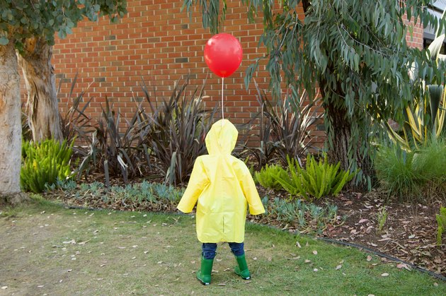 DIY 'IT' Life-Size Georgie Halloween Decoration