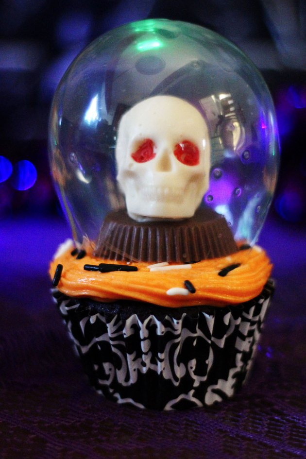 crystal ball cupcake