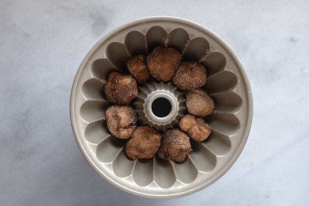 Arrange in the prepared pan.