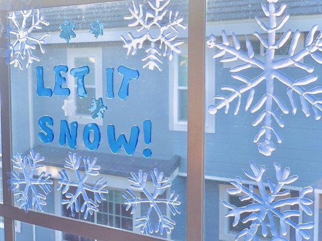 DIY Hot Glue Snowflake Ornaments