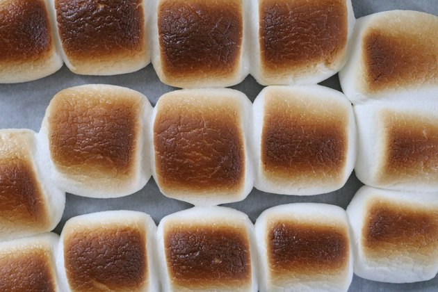 Toast marshmallows
