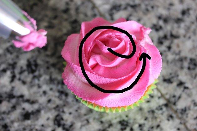 piping rose