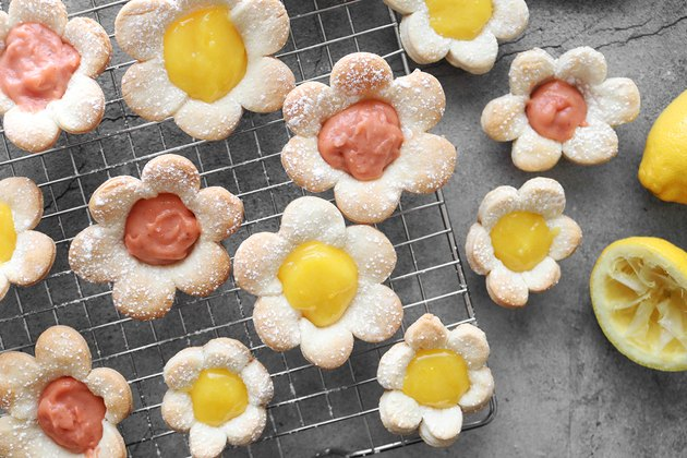 Mini flower tarts