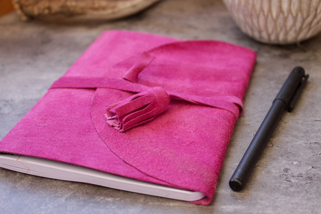 There are loads of unwanted suede jackets hanging around the thrift stores that can be made into these beautiful journal covers.