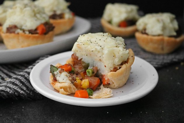 Mini shepherd's pot pies