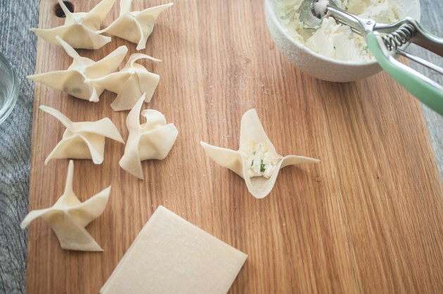 Copycat Recipe: Panda Express Cream Cheese Rangoon
