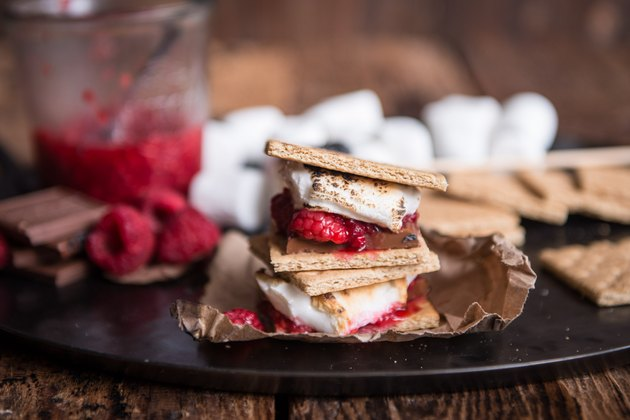 How to Make Raspberry S'mores