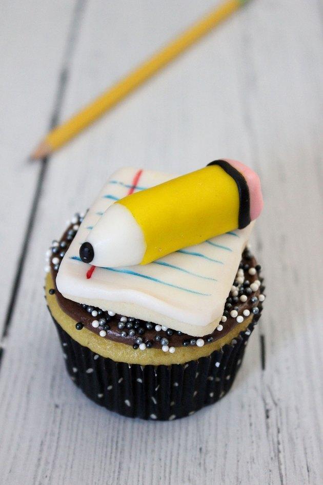 pencil cupcake