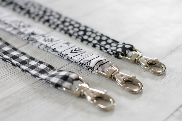 If you've been looking for the perfect do-it-yourself teacher gift, then look no further. This simple fabric key or badge lanyard will be the envy of all the other teachers.