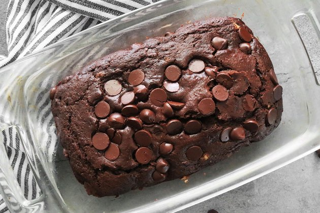 Bake chocolate zucchini bread