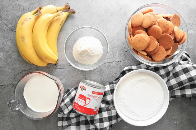 Ingredients for classic banana pudding