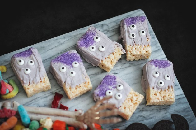 Three-eyed monster rice krispie treats