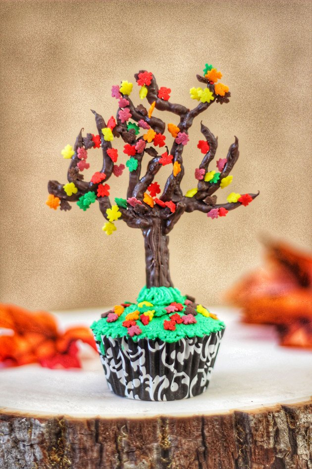 autumn tree cupcake